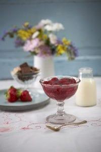 Jordbærgrød m/ fløde