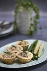 Tarteletter m/ høns i asparges, MAD til hver DAG